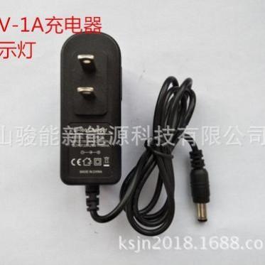 骏能16.8-2A 4串锂电池充电器聚合物充电器指示灯12V铁锂充电器